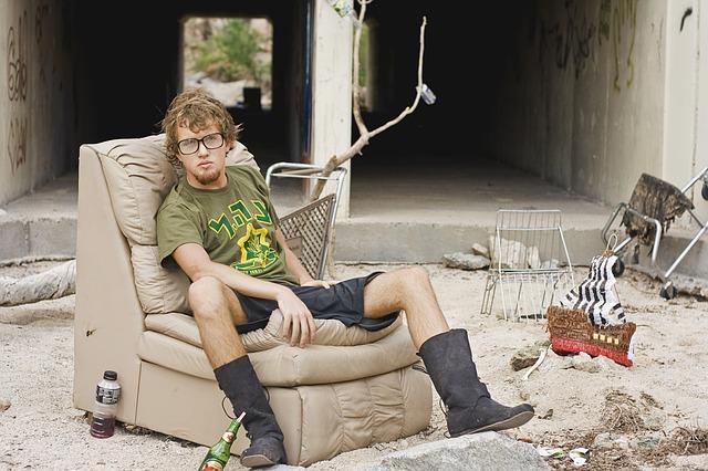 bezdomovec z křesle