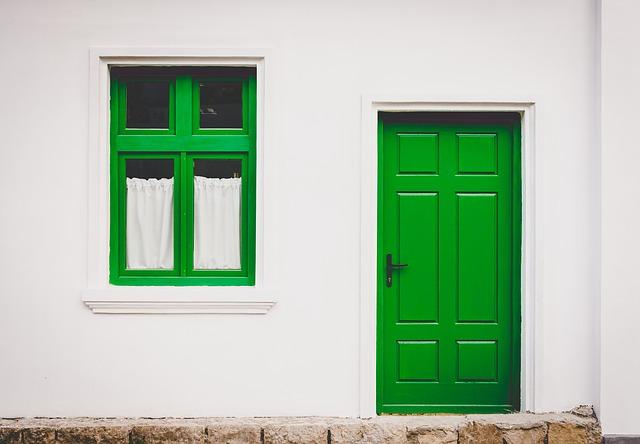 zelené okno a dveře.jpg
