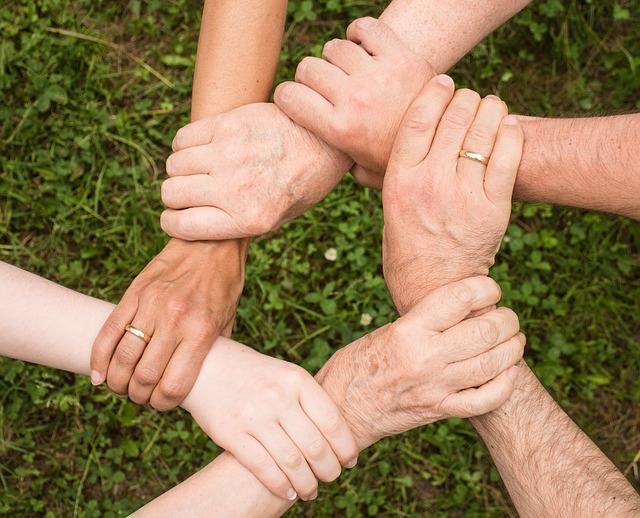 spojení rukou