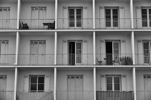 dveře na balkony