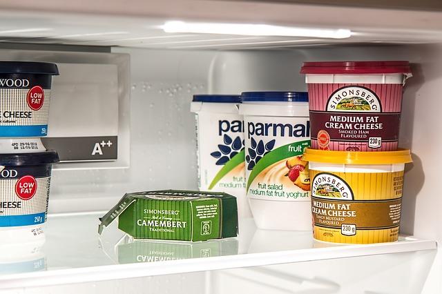 jogurt v lednici